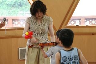 ヴァイオリン弾いてみる